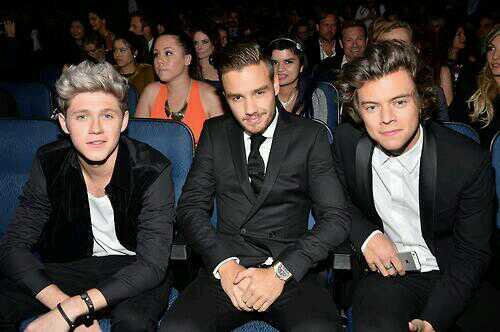 One Direction at the 2013 AMA