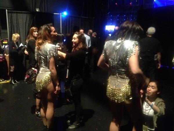 2013ama lady gaga dancers getting ready