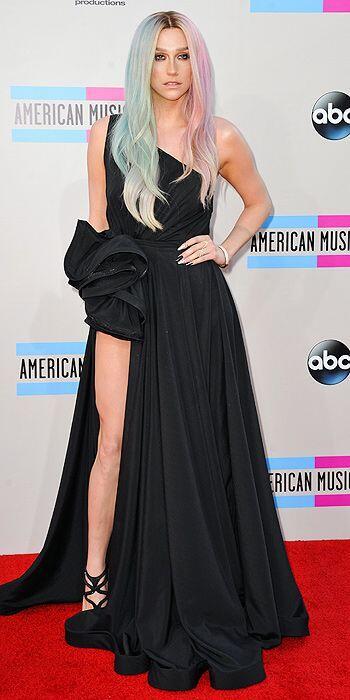 Kesha at the 2013 AMA Red Carpet