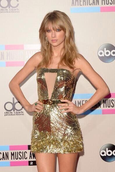 Taylor Swift at the 2013 AMA Red Carpet